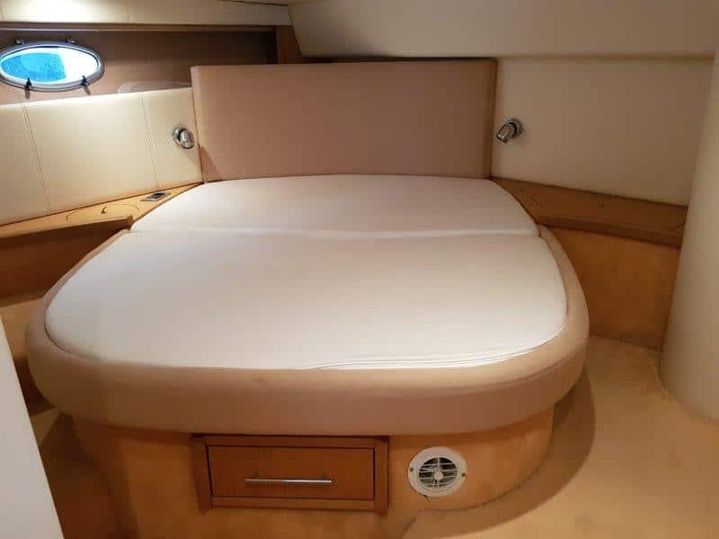 Sessa Oyster 42 cabin 1